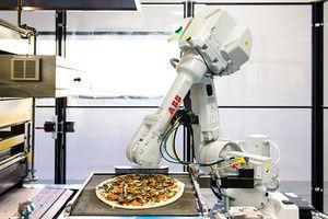 Robot làm bánh pizza được Softbank đầu tư 375 triệu USD