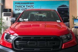 Ngắm Ford Ranger Raptor 2018 chính hãng màu đỏ tại đại lý