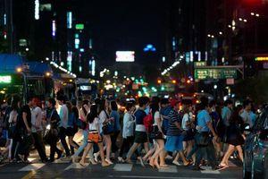 Lao lực làm việc cho đến chết: Người Hàn Quốc ngày càng giống như 'một cỗ máy'