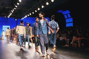 Người mẫu nam Ấn Độ sẵn sàng đổi tình lấy công việc