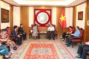 Việt Nam- Lào hợp tác phát triển văn hóa đọc