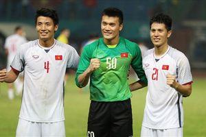 'Trung vệ thép' Đình Trọng thừa nhận hơi căng thẳng trong lần đầu dự AFF Cup