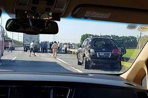 Từ vụ lùi xe trên cao tốc Thái Nguyên: 'Bò lạc' và những nỗi sợ lớn nhất của tài xế khi di chuyển trên cao tốc