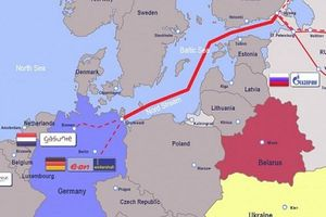 Vừa chống vừa bắt tay Nga: Sự khôn khéo người Đức