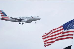 Nữ hành khách Mỹ tố bị cưỡng hiếp trong toilet máy bay