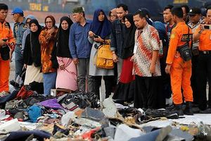 Tin sốc về máy bay bị rơi ở Indonesia tuần trước