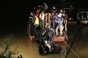 Nhân chứng vụ xe Mercedes rơi xuống sông Hồng: 'Tôi bị ám ảnh đến mức mất ngủ'