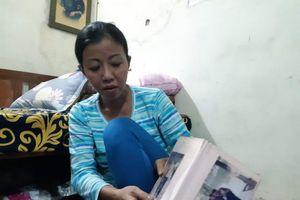 Người mẹ 14 năm khóc cạn nước mắt bán nước bên bờ Hồ Gươm mong tìm được con