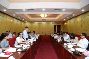 Thứ trưởng Vũ Đại Thắng làm việc với Đoàn cán bộ đại diện xúc tiến đầu tư tại nước ngoài