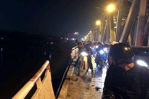Danh tính nạn nhân thứ 2 trong vụ xe Mercedes lao xuống sông Hồng