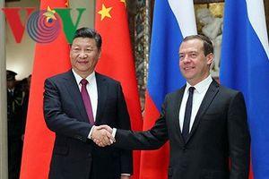 Thủ tướng Nga thăm Trung Quốc: Củng cố quan hệ song phương