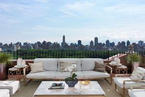 CEO hãng T-Mobile rao bán căn hộ penthouse tại New York với giá 18 triệu USD