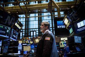 Đang hào hứng, giới đầu tư bị ông Trump dội gáo nước lạnh