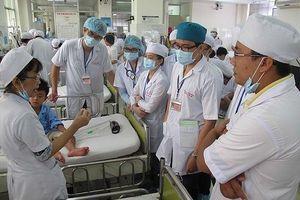Chuyên gia Bộ Y tế đề nghị quy định văn bằng bác sĩ phải cao hơn cử nhân