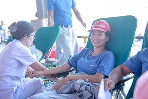 Cán bộ, công nhân Bridgestone Việt Nam hiến máu nhân đạo