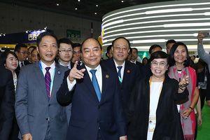 Thủ tướng dự lễ khai mạc Hội chợ Nhập khẩu quốc tế Trung Quốc