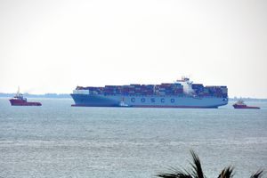 Cứu hộ tàu siêu trọng bị hỏng máy ở luồng Vũng Tàu - Thị Vải