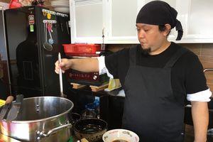 Đầu bếp ngoại đến Việt Nam lập nghiệp: Ông Nhật nấu mì ramen ngon nhất Sài Gòn