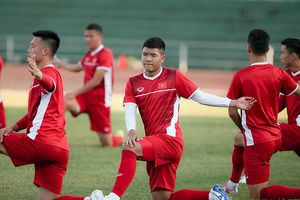 Vé trận Lào – Việt Nam ở AFF Cup: Giá rẻ giật mình