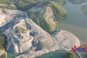 'Núp bóng' xây nghĩa trang, cạo trọc 31ha rừng để khai thác than