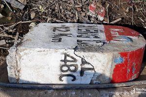 Những chỉ dẫn 'đánh đố' người đi đường trên Quốc lộ 48C