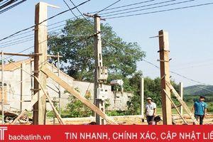 Nhức nhối vi phạm hành lang an toàn lưới điện ở Hương Khê