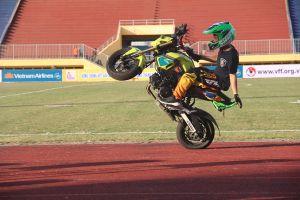 Chùm ảnh tổng dợt biểu diễn xe mô tô và khai mạc giải U.21 Báo Thanh Niên