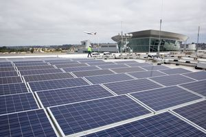 Sắp ra mắt sân bay vận hành hoàn toàn bằng điện mặt trời