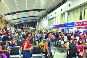 Khách bị từ chối bay vì mang lậu chục kiện mỹ phẩm Hàn Quốc