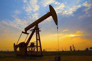 Giá dầu châu Á hạ sau khi Mỹ 'nới lỏng' lệnh trừng phạt Iran