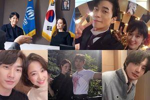 Jang Nara đáng yêu bên chồng, Jung Woo Sung khoe ảnh với Angelina Jolie, Park Bo Young - Kim Young Kwang đẹp đôi