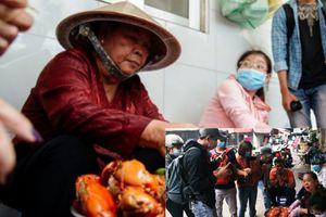 Sốt xình xịch mấy tháng nay, mâm cua dì Ba ở Sài Gòn lại đón thêm 'đội ngũ' youtuber hùng hậu đến quay chụp mỗi ngày