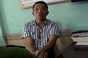 Người đàn ông nghi 'ngáo đá' cầm gạch đập phá ô tô giữa trung tâm Đà Nẵng