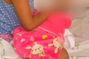 Colombia: Bé gái 10 tuổi bị anh trai lạm dụng tình dục đến sinh con