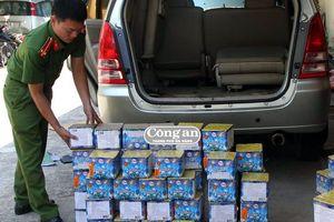 Quảng Trị: Bắt giữ ô tô vận chuyển pháo lậu trên đường đi tiêu thụ