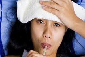 Thai phụ làm gì khi lên cơn sốt