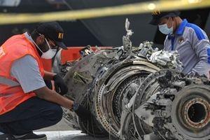 Dữ liệu hộp đen hé mở điều gì về chiếc máy bay Indonesia rơi xuống biển?