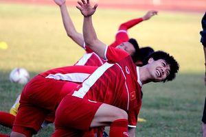 Thể thao 24h: Cho học trò tập nhẹ, thầy Park giữ chân các cầu thủ