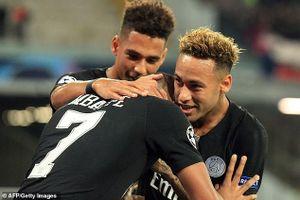 Hòa Napoli 1-1, PSG vẫn rộng cửa đi tiếp tại Champions League