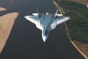 Su-57 khoe thao tác chiến đấu trong bài bay mới