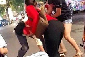 Quẹt xe, thanh niên chửi đúng vận động viên Pencak Silat