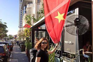 Á hậu Vũ Hoàng My: 'Ở nước ngoài, tôi lăn lộn rất nhiều'
