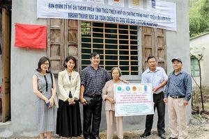 Bàn giao 107 nhà chống bão lụt cho các hộ nghèo, dễ bị tổn thương ở Thừa Thiên Huế
