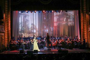 Khi 'nữ hoàng opera' không ngại hát bolero