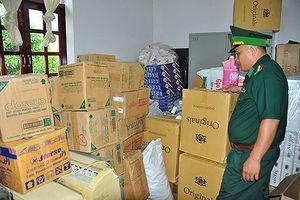 Bắt quả tang buôn lậu chở 4000 gói thuốc qua biên giới trong đêm