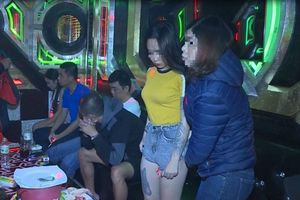 Khởi tố chủ quán karaoke nơi hàng chục nam, nữ 'phê' ma túy, nhảy múa quay cuồng