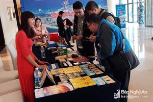 Hơn 200 đại biểu, du khách Trung Quốc tìm hiểu về du lịch Nghệ An