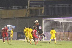 Chơi xuất thần, thủ môn tuyển U.19 Việt Nam giúp Đắk Lắk cầm chân U.21 Bình Dương