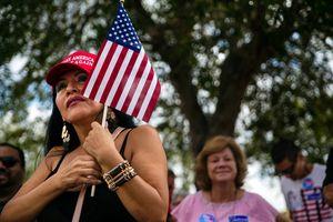 Vì sao bầu cử giữa kỳ Mỹ gay cấn từng phút được coi là cuộc trưng cầu dân ý về chính sách của Tổng thống Trump?