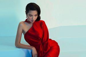 Á hậu Thúy Vân nói gì với Thùy Tiên trước thềm chung kết Miss International?